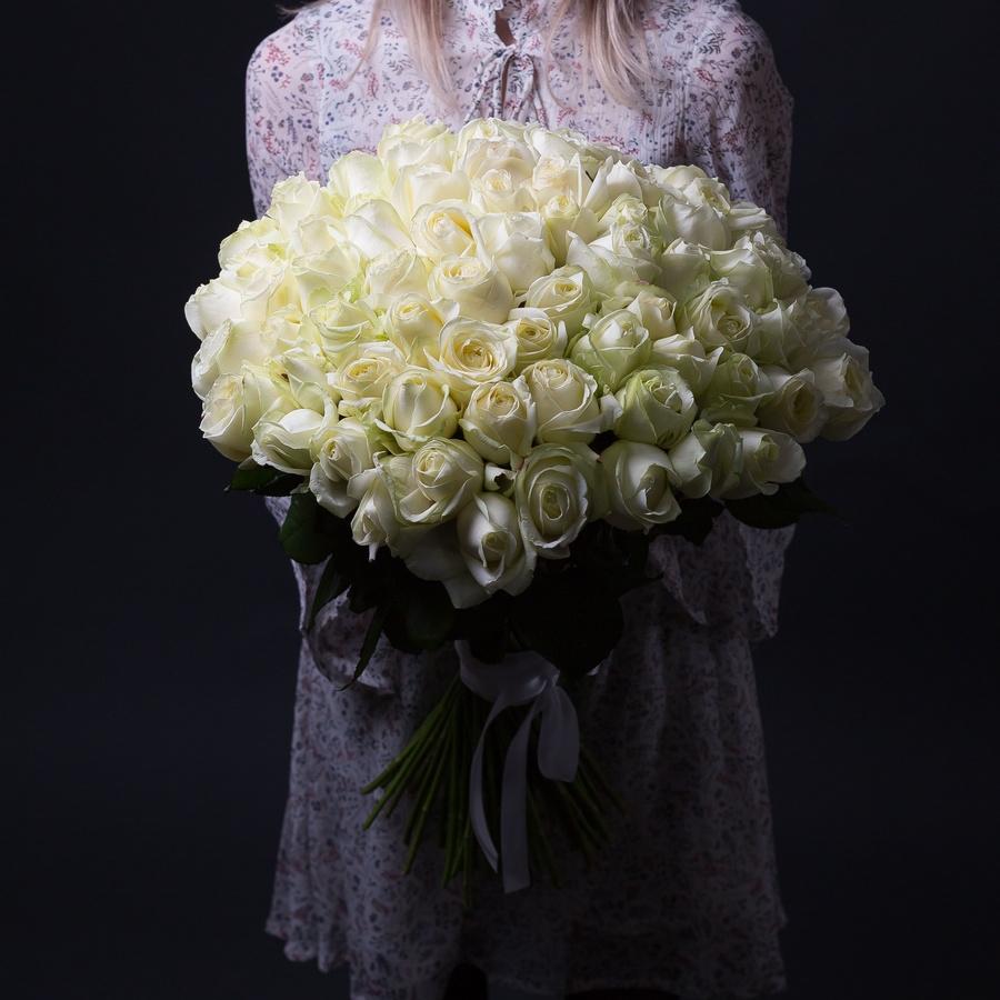 Красивые белые розы с доставкой