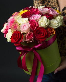 55 Разноцветных Роз в коробке